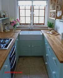 decoration des petites cuisines meuble cuisine etroit pour idees de deco de cuisine élégant les 25
