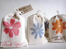 bridal shower gift bags bridal shower bag ideas imbusy for