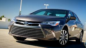 toyota camry 2017 toyota camry kelley blue book