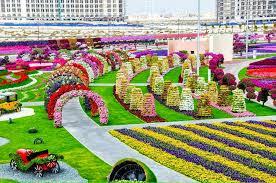 world largest natural flower garden