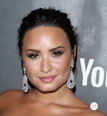 demi lovato earrings who wore what daily
