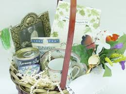 bereavement gift baskets what to include in a bereavement gift basket gift basket articles
