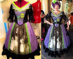 Haunted Mansion Costume One Of The Coolest Costumes Ever Haunted Mansion Dress Perfect