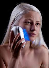 blue and red light therapy for acne what is the difference between blue and red light therapy
