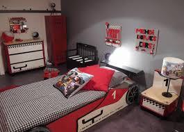 chambre enfant formule 1 stunning chambre garcon voiture de course gallery lalawgroup us