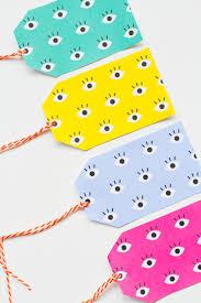 free printable eye gift tags for your christmas gift wrap