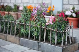 Diy Ideas For Flower Bed Walls Diy Bamboo Fence Trash Backwards Blog