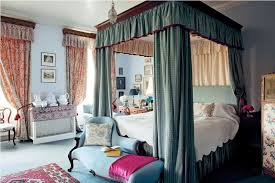 Victorian Canopy Bed Bedroom Copper Canopy Bed With Sheer Curtain Also Vaulted Ceiling