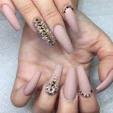 imagenes de uñas acrilicas con pedreria 89 diseños de uñas decoradas con piedras muy elegantes