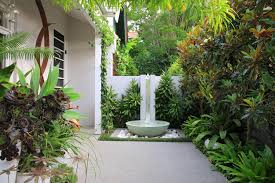 creative small courtyard garden design ideas fabulous courtyard landscaping ideas 1000 ideas about small