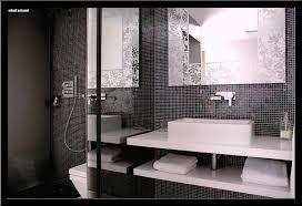 Badfliesen Ideen Mit Mosaik Szenisch Badezimmer Schwarz Weis Ideen Wei Fliesen Usblife Info