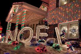best rated outdoor christmas lights top 10 biggest outdoor christmas lights house decorations digsdigs