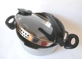 batterie de cuisine en stoneline une batterie de cuisine en fonte d aluminium et poudre de pierrres