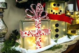 lighted gift boxes christmas decorations lighted gift boxes christmas decorations simple and festive glass