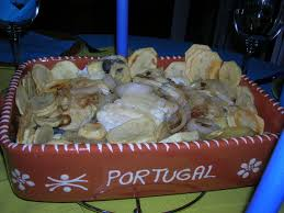 cuisine portugaise morue morue aux pommes de terre et oignons on s invite chez céline