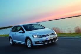 auto bild discovers water leak in new vw golf says 300 000 cars