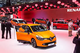 renault geneva new renault clio gt 120 edc unveiled in geneva comes in hatch and