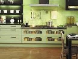 meuble cuisine vert photo cuisine vert amande par deco