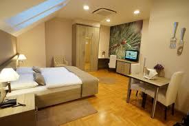Wohnzimmer Zagreb Hotel Calypso Kroatien Zagreb Booking Com