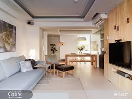 table de cuisine fix馥 au mur 梧桐木皮結合溝縫設計的電視牆上 以露明手法收納cd 並成為牆面上的裝品