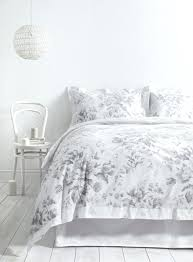 gonewalkabout info page 41 red queen duvet cover black pattern