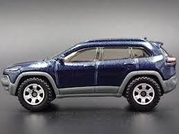 jeep cherokee toy 2014 jeep cherokee trailhawk rare 1 64 limited edition die cast