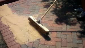 Sand For Patio Pavers by How To Sand In A Block Paved Driveway With Kiln Dried Sand 2 Youtube