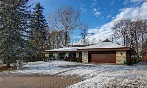 ranch style bungalow spectacular super sized ranch style bungalow quebec luxury homes