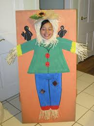 scarecrow photo stand in photo stand in pinterest scarecrows