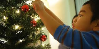 how to put lights on a christmas tree hang christmas tree lights
