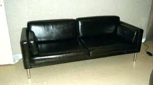 canap noir ikea canape noir canap places en cuir recycl noir brillant