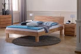chambre adulte en bois massif decoration meuble bois massif grand lit chambre adulte meuble