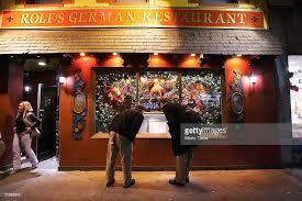 Rolfs Nyc Christmas Landmark New York Restaurant Gets Into Holiday Spirit Photos And