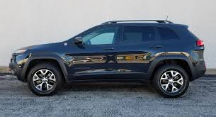 cool jeep cherokee quick spin 2016 jeep cherokee trailhawk the daily drive
