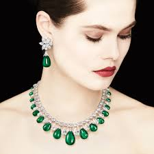 emerald earrings necklace images Rare emerald jewellery one of a kind high jewellery graff jpg