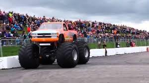 mobil balap keren 2016 mobil monster keren sedang balapan youtube