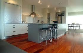 parquet cuisine ouverte quel parquet choisir pour une cuisine parquet en bois exotique pour