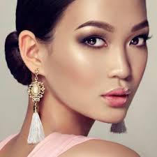 how to become a professional makeup artist how to become a professional makeup artist studio50 makeup school