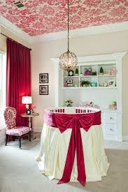 plafond chambre bébé quelle décoration chambre bébé créez un intérieur magique pour