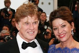 does robert redford wear a hair piece robert redford and sibylle szaggars photos photos all is lost