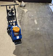 lifting vinyl floor coverings is easy with the razorback