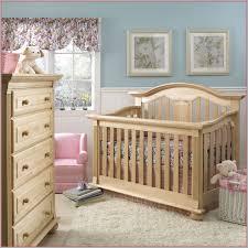 chambre bébé bois naturel lit bébé baldaquin 354768 beautiful chambre en bois naturel gallery