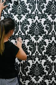 diy how to use removable wallpaper in your apartment glamour