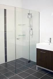 various types of frameless shower screens that available on
