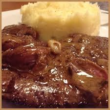 cuisiner du foie de veau foie de veau poêlé purée au beurre et parmesan recette de foie de