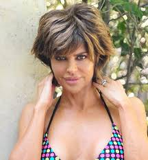 lisa renick hairstyles lisa rinna reveals the kitchen essentials that keep her looking