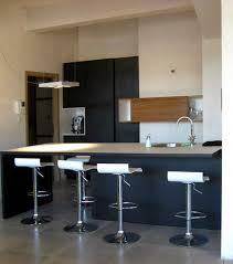 le de cuisine moderne alterdeco encore un bel exemple de cuisine moderne avec bar