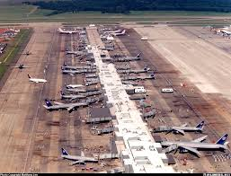 airlines celebrates 30 years of being based at dulles