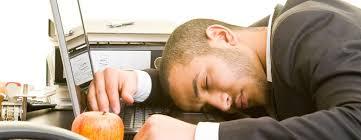 sieste au bureau 5 bonnes raisons de faire la sieste au bureau bien être au travail