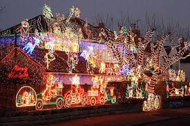 pictures of christmas lights on houses that guy luke light envy